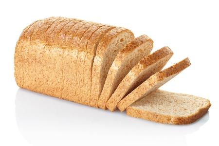pan frances: Rodajas de pan aislado en blanco