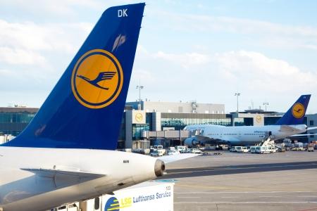boeing 747: Aerei Lufthansa in aeroporto