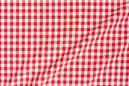 Rote und wei?e Ginghamtischdecke Hintergrund Standard-Bild - 20200325