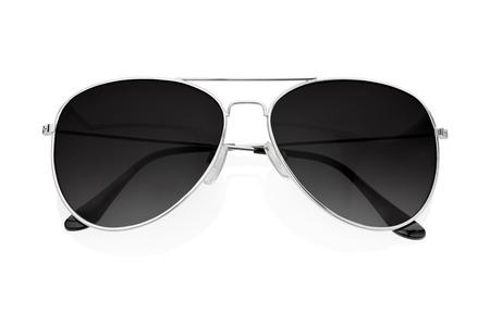 Zwarte zonnebril geïsoleerd op wit
