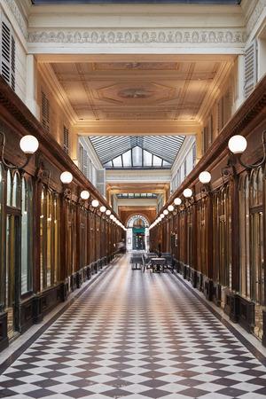 passages: Paris, Galerie Vero-Dodat. Typical passages Editorial
