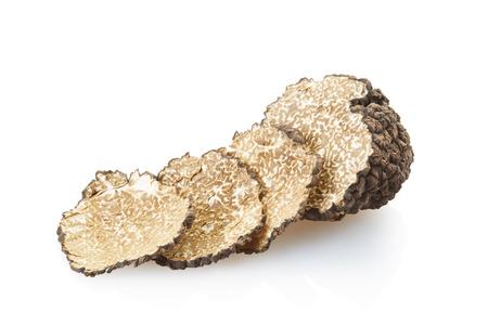 truffe blanche: Truffe noire isolé sur blanc, chemin de détourage