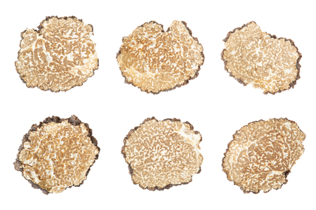 truffe blanche: Black truffle slices collection on white, clipping path Banque d'images