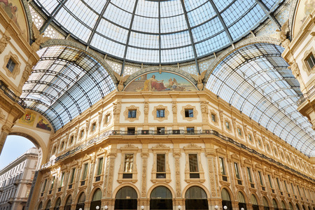 Milan, Vittorio Emanuele gallery interior view in a sunny day 스톡 콘텐츠
