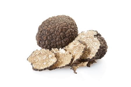 truffe blanche: truffe noire et tranches sur blanc, chemin de détourage Banque d'images