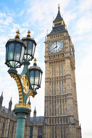 street lamp: Big Ben view with ancient street lamp in London
