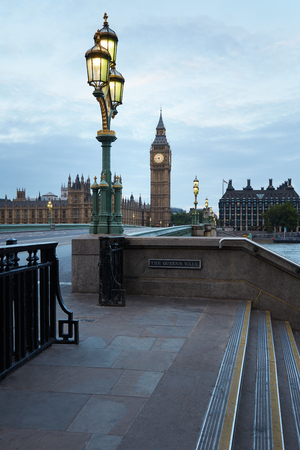 sidewalk: Big Ben and bridge, nobody in the early morning in London, natural colors and lights Stock Photo