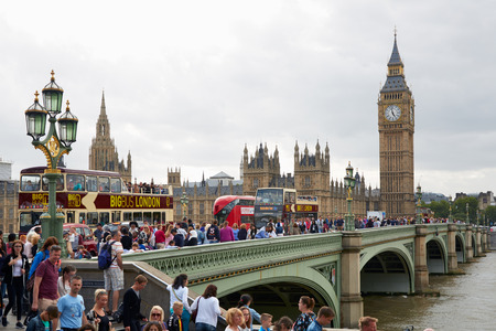 ben: Big Ben and crowd of tourists and people in a summer day in London