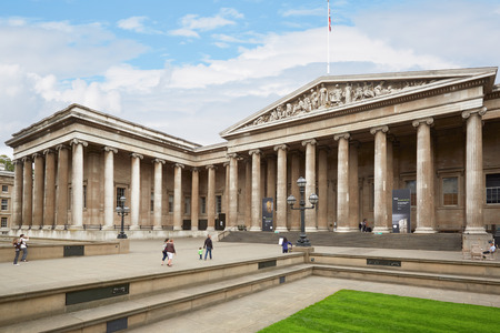British Museum building with people in London Sajtókép