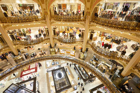 PARIS - NOVEMBER 6, 2019: Galeries Lafayette interior with Lancome and Clarins shops in Paris Stock fotó - 147052340