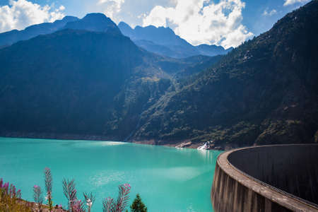 lac: Place Moulin dam in Valle dAosta