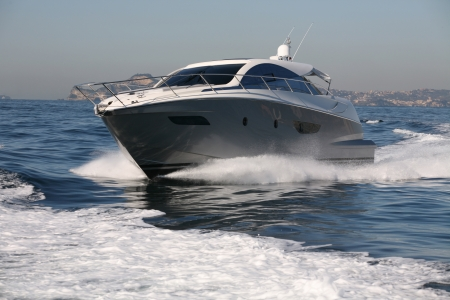 Motorboot, Yacht Standard-Bild - 24376659