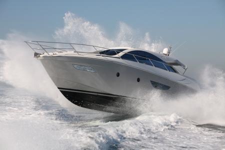 motor boat, yacht jump Standard-Bild