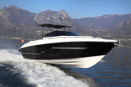 v�locit�: bateau � moteur, yachts rio Italie