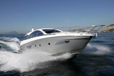v�locit�: bateau � moteur, yacht Banque d'images