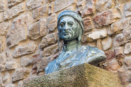 dante alighieri: A bust of Dante Alighieri, Florence, Italy.