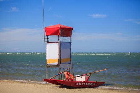 lifeguard tower: Tipical lifeguard tower