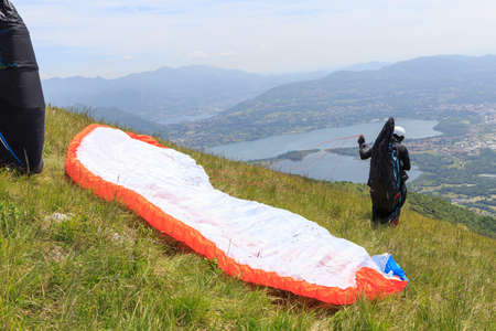 paraglider on start