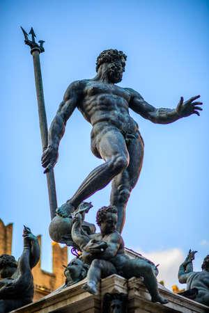 neptuno: de bronce de Neptuno funtain en Bolonia Foto de archivo