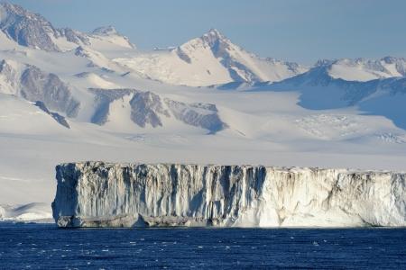 icescape: Iceshelf at Antarctica