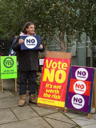 better chances: EDINBURGH, SCOTLAND, UK, September 18, 2014 - public expressing their opinion on independence during referendum day in Edinburgh