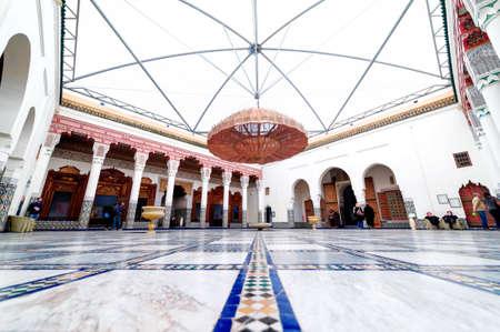 Marrakech, Marokko - 10 februari 2012 - Indrukwekkende Musée de Marrakech binnenplaats gelegen in Mnebhi Palace Redactioneel