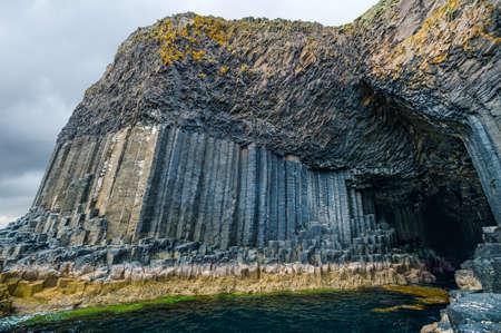 Fingal's Cave, sea cave on the uninhabited island of Staffa, Inner Hebrides of Scotland 스톡 콘텐츠
