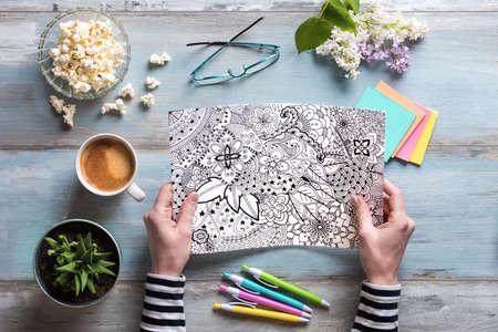 selfcare: aplanada, hembras adultas para colorear libros para colorear, nueva tendencia aliviar el estrés