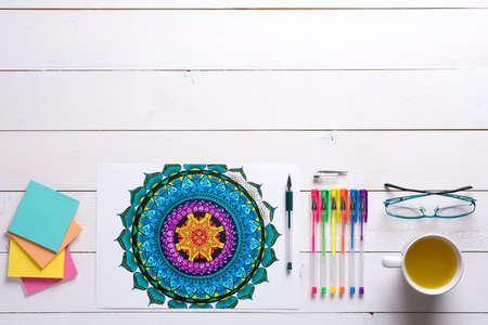 Erwachsene Färbung Bücher, neue Spannungsarmglühen Trend Standard-Bild - 60848779