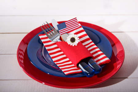 Beautiful blue red and white table setting 스톡 콘텐츠