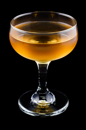 corpse: Corpse Reviver cocktail, consisting of brandy, calvados and sweet vermouth Stock Photo