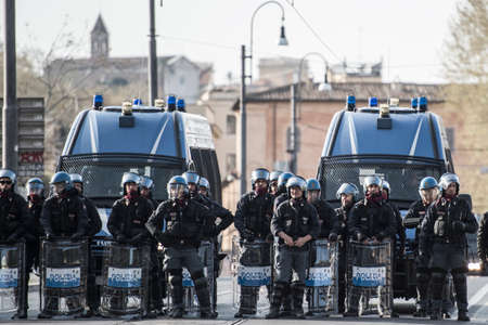 clashes: ROME - ITALY MARCH 25, 2017 Protests and clashes against the European Union in Rome March 25, 2017 Editorial