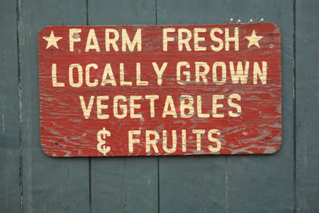 farmers market: FARM FRESH vegtables and fruits sign at farmers market