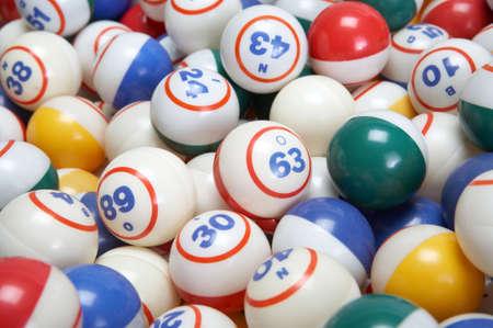bingo: Antecedentes de las bolas de bingo conjunto de colores de cerca