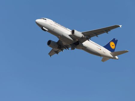 spar: Moscow - August 6, 2015: nice Airliner Lufthansa Airbus A320-214 with tail number D-AIZE takes off at Domodedovo airport and on the background of bright blue sky on Aug. 6, 2015, Moscow, Russia