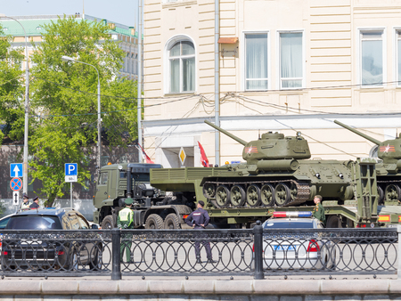 parade of homes: Moscow - May 7th, 2015: Transportation of tanks on special platforms for the Victory Day parade on Red Square in the center of the city May 7, 2015, Moscow, Russia Editorial