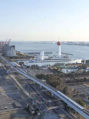 monorail: Tokyo - January 29, 2015: Tokyo Bay, the Sea Museum and explore the monorail, which are located in the Odaiba neighborhood, in the early morning Jan. 29, 2015, Tokyo, Japan