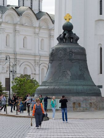 sights of moscow: Moscow - May 7, 2016: Many tourists are photographed near the Tsar Bell on the Kremlin territrii May 7, 2016, Moscow, Russia Editorial