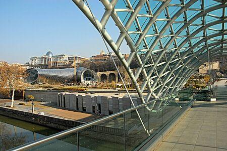 tbilisi: Tbilisi glass bridge city