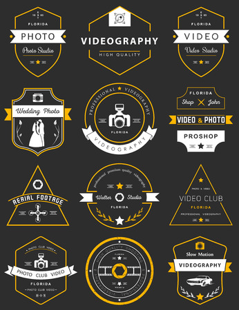 Vector collection of photography and videography logo templates. Photocam, wedding and aerial footage logotypes. Photography vintage badges and icons. Modern mass media icons. Photo labels. Ilustração