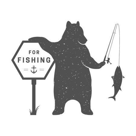 ビンテージの図は釣りとロッド - グランジ効果の符号に我慢します。面白いクマのポスターやキャンプ クラブのための白い背景で隔離の魚