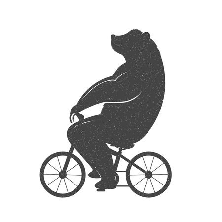 oso blanco: Oso Ilustración de la vendimia en una bicicleta con efecto grunge. El oso divertido montar en bicicleta sobre un fondo blanco para carteles y camisetas. Vectores