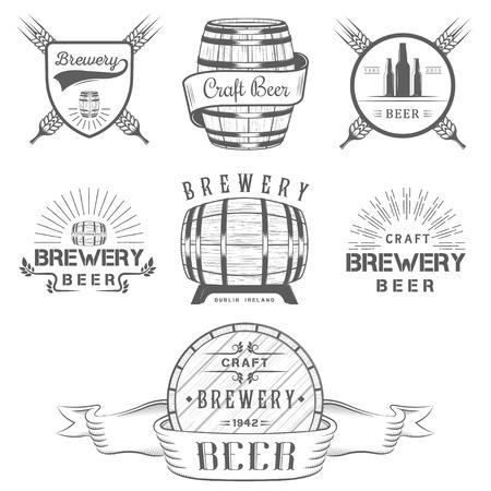 ビンテージのクラフト ビール醸造所、エンブレム バッジ、ラベル、白い背景のデザイン要素  イラスト・ベクター素材