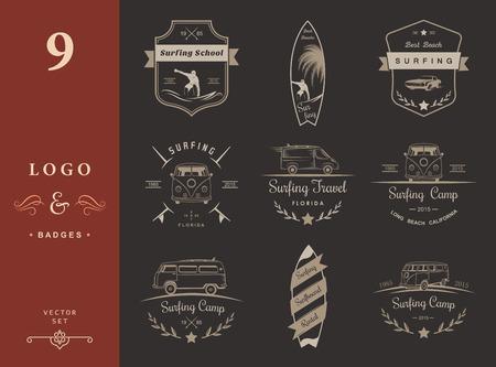 Vector badges en logo's surfen, borden en apparatuur winkels, stranden. Stock Illustratie