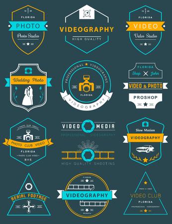 写真やビデオ撮影のロゴのテンプレートのコレクションです。 結婚式や空中映像ロゴタイプ。写真のビンテージ バッジとアイコン。現代のマスメディアのアイコン。写真のラベル。