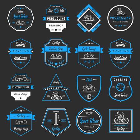 Set van vintage, modern en retro logo badges en labels fiets, pro fiets, winkel, apparatuur en club. Fietsen typografisch teken, pictogrammen en oude emblemen - Stock Vector Stock Illustratie