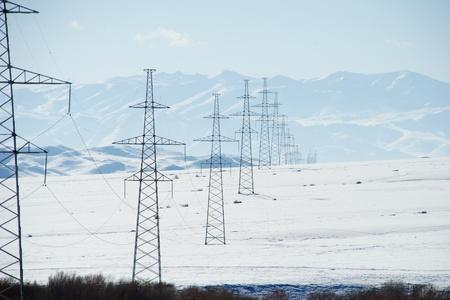 Elektrische transmissie in Mongolië Stockfoto - 75663811