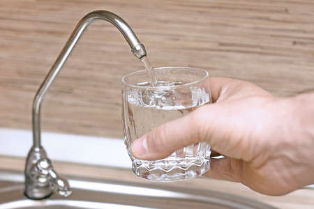 recruit filtered water in a glass