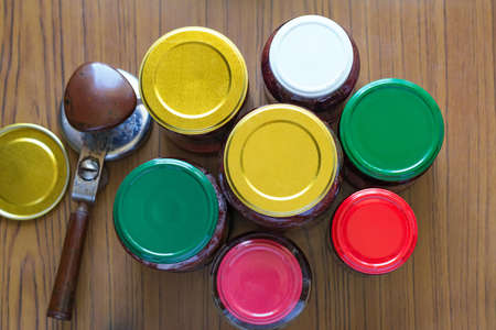 blockage: blockage of products in jars