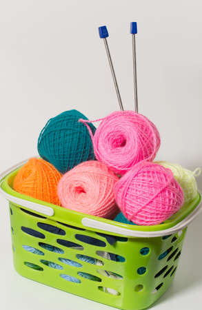 spokes: yarn of different colors with spokes